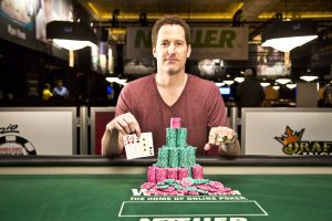 Pat Walsh gewinnt die PLO Championship bei der WSOP 2014