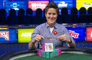 Vanessa Selbst gewinnt mit Event 2 der WSOP 2014 Bracelet Nummer drei