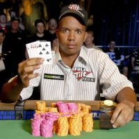 Phil Ivey: Eigener Card-Room in Las Vegas