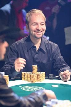 Daniel Negreanu hat dank Jason Mercier erstes Geld bei der PCA 2011 sicher