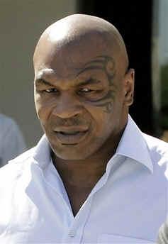 Mike Tyson bald am Pokertisch?