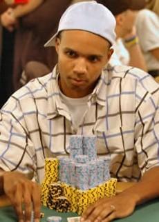 WSOP 2009 Main Event - Phil Ivey unaufhaltsam?!