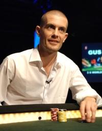 Gus Hansen mit Gewinnen auf Full Tilt Poker